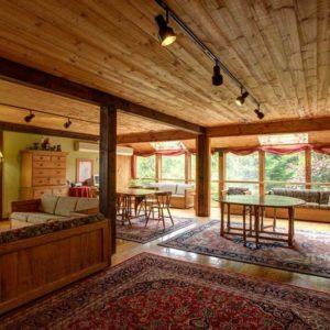 Snowy Owl Inn, New Hampshire