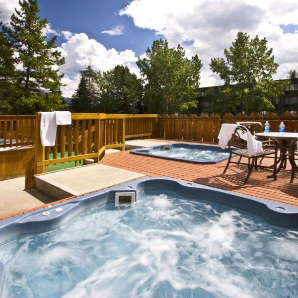 Lobstick Lodge, Jasper, Hot Tub