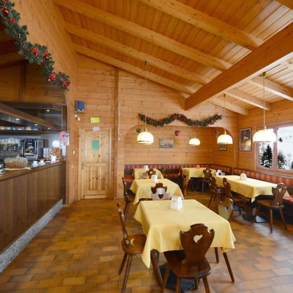 Hotel Savoia Dining 2, Claviere, Italy School Ski trips