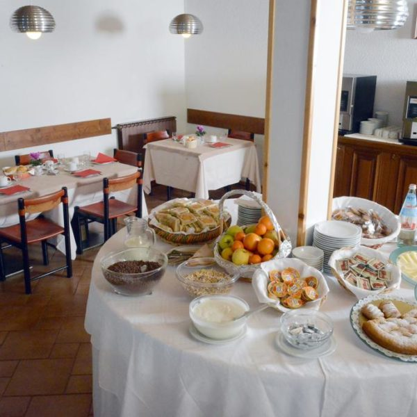 Hotel Savoia Dining, Claviere, Italy School Ski trips
