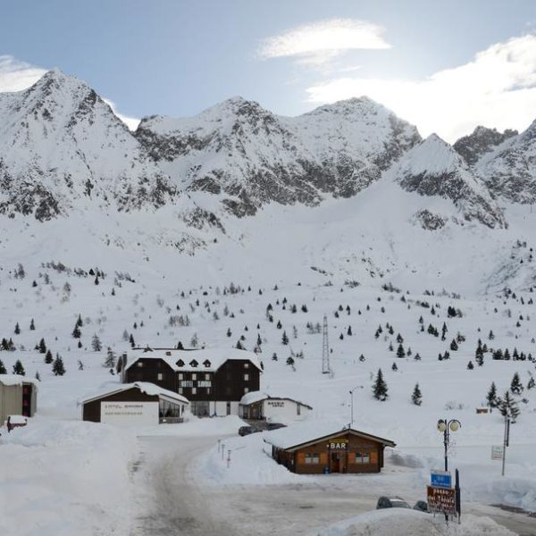 Hotel Savoia View, Claviere, Italy School Ski trips