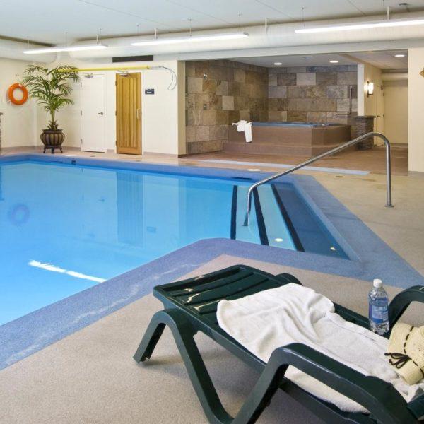 Lobstick Lodge, Jasper, pool