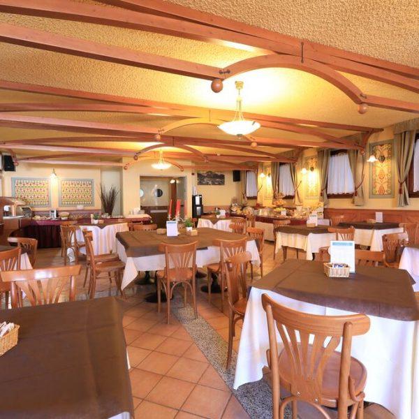 Passo Tonale School Ski Trips - Palace Pontedilegno Resort